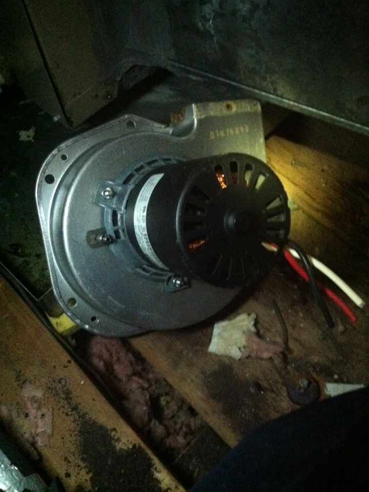 El Lago, TX - Changing Faulty Inducer Draft Motor