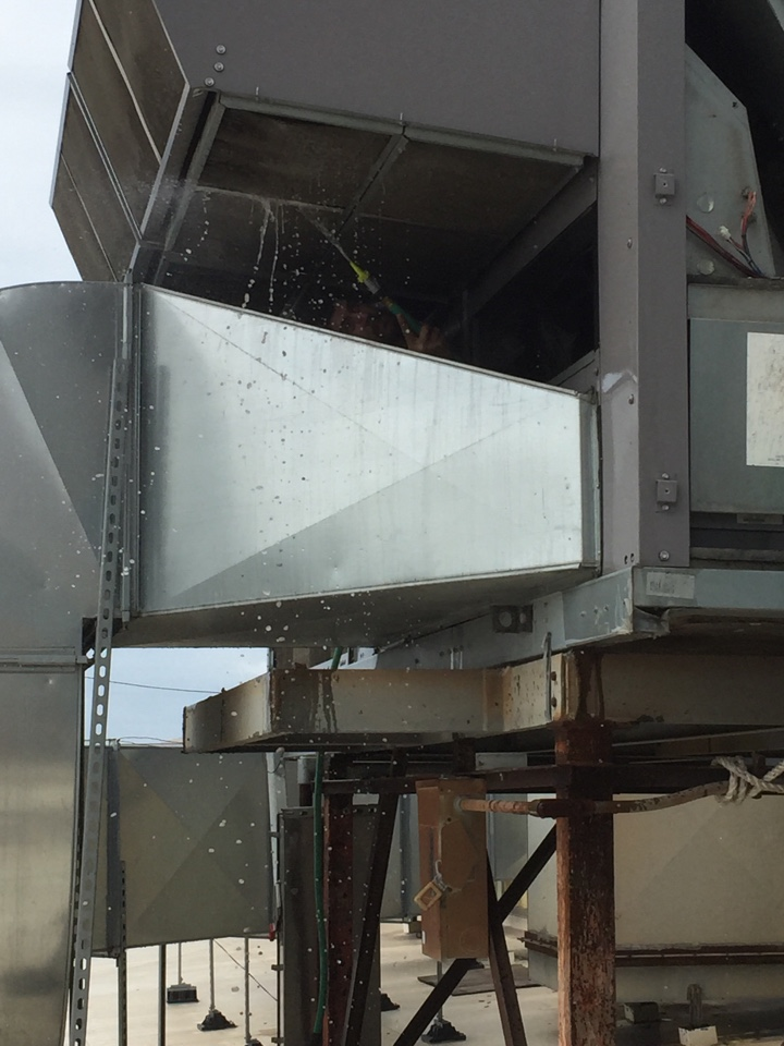 Houston, TX - Perform preventive maintenance on package unit 50 ton