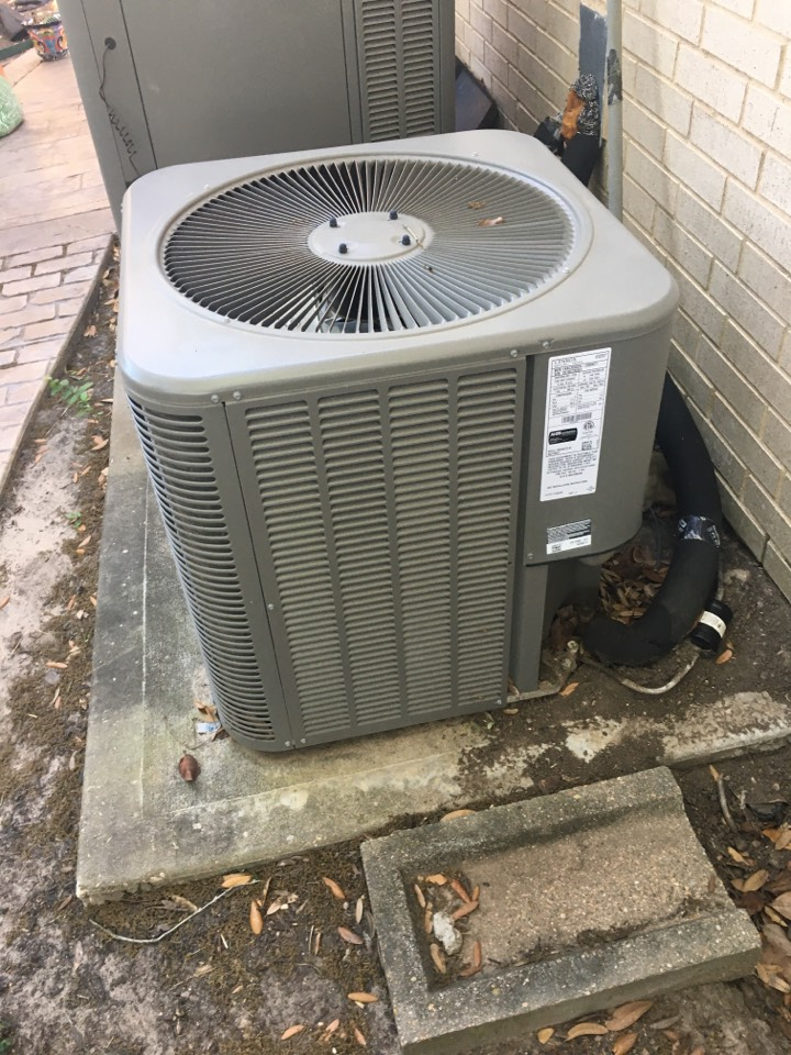 Kemah, TX - Helped home owner with replacement options.