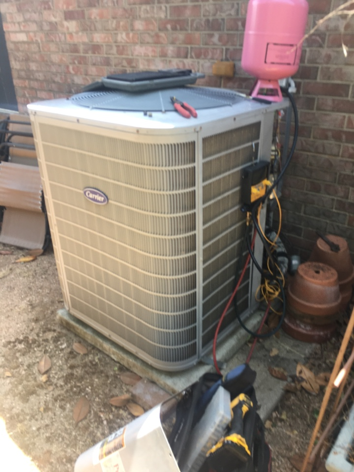 League City, TX - Helped home owner with leaking refrigerant.