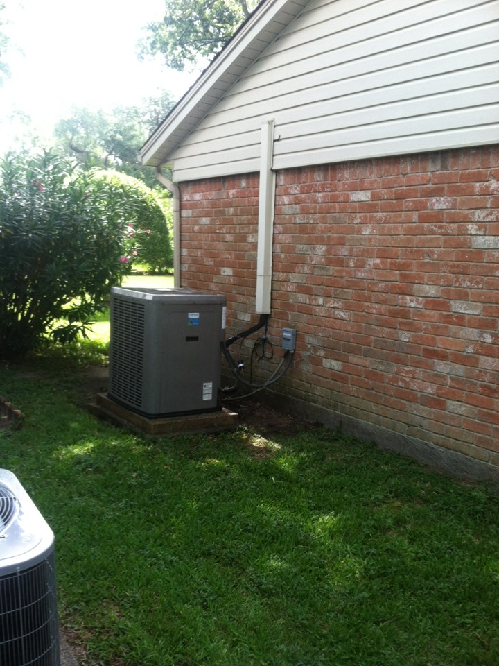 Taylor Lake Village, TX - Replaced the sealed circuit refrigerant system filter and voltage distribution system during Residential Gold AC Check