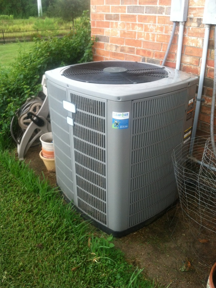 Friendswood, TX - Replace air movement motor in the furnace, voltage absorption and distribution systems in the condenser and installed starts kits in both the up & downstairs condensers.