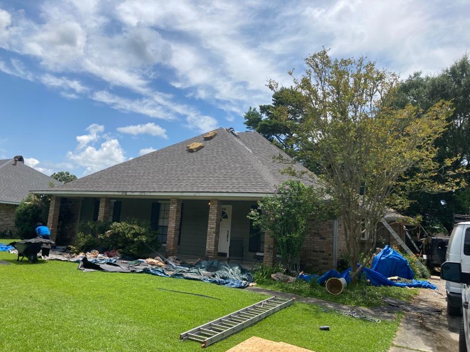 Baton Rouge, LA - Dulaney roof going on.
