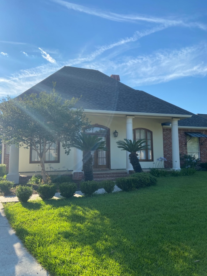 Prairieville, LA - New CertainTeed Landmark Weathered wood roof and New gutters to go along with it.