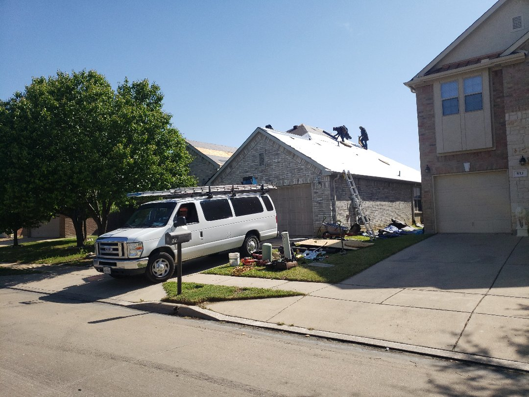 Fort Worth, TX - Another Atlas Pinnacle Pristine re roof.