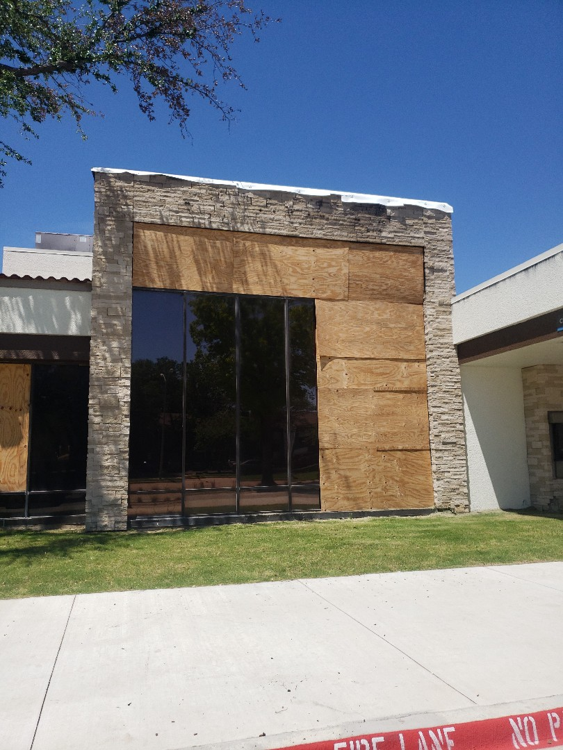 Dallas, TX - Chase Bank emergency dry in. Flat roof