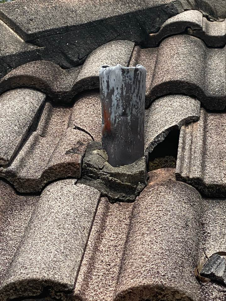 We are replacing a few broken roof tiles at a home in palm beach gardens Fl Eastpointe cc 33418