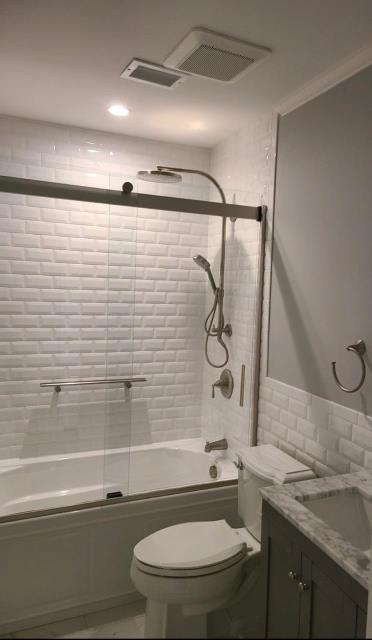 Holbrook, NY - What a beautiful looking bathroom! Simple yet elegant! With white subway tile! Great job on this full bathroom renovation guys! KOHLER #thehomedepot  #bathroomdesign #homedecor #homedesign #elitequality