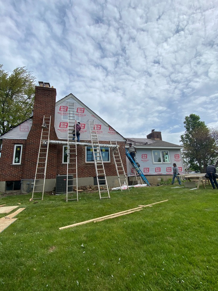 Cincinnati, OH - Hardie siding, trim and soffits going up in Montgomery OH today.
