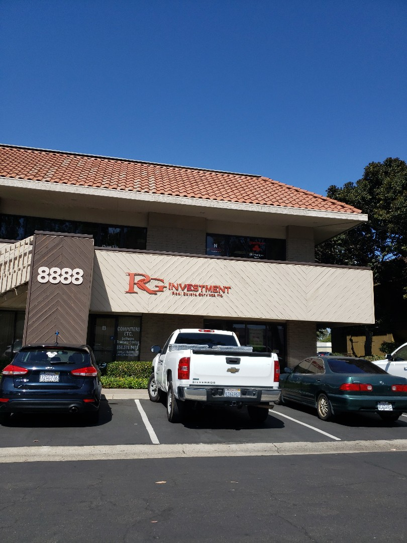 San Diego, CA - Lunch and a roofing contract and report party with Jeff Hickox and the RG team!