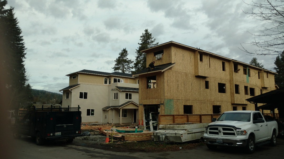 Issaquah, WA - Almost done and rope properly tied off