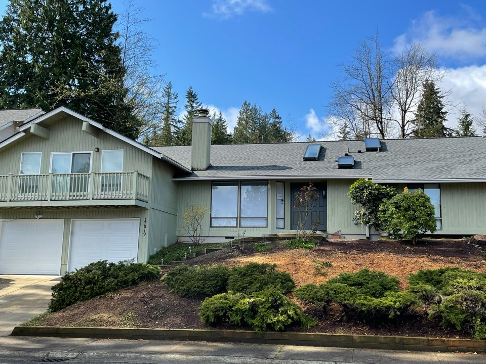 Bellevue, WA - Completed re-roof with tear off of old roofing shingles and installation of GAF Timberline HDZ roofing shingle in pewter gray.