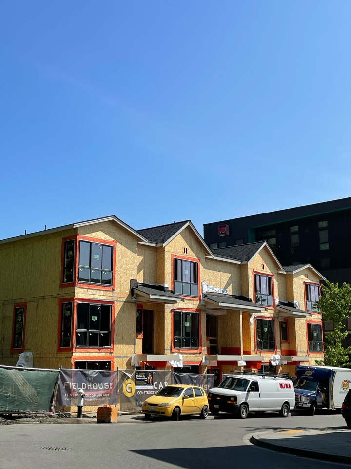 Bothell, WA - New townhome construction roofing project with installation of GAF Timberline HDZ in charcoal.