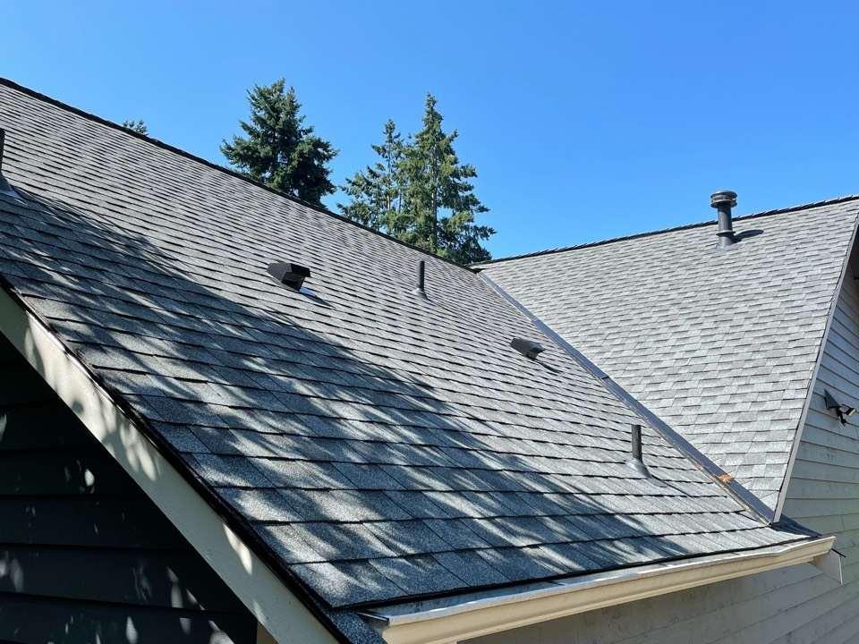 Shoreline, WA - Completed re-roof with tear off of old roofing shingles and replaced with GAF Timberline HDZ in pewter gray.