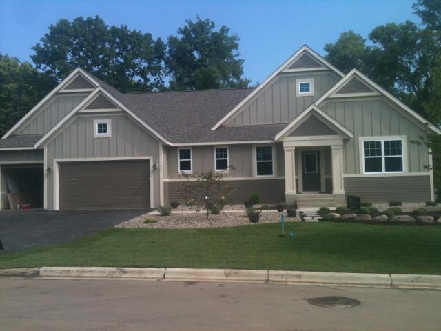 Cottage Grove, MN - James Hardie Siding on a new home in Cottage Grove.
