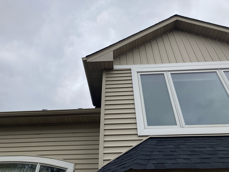 Lakeville, MN - Replaced custom band facia on box and with new smooth coil khaki brown