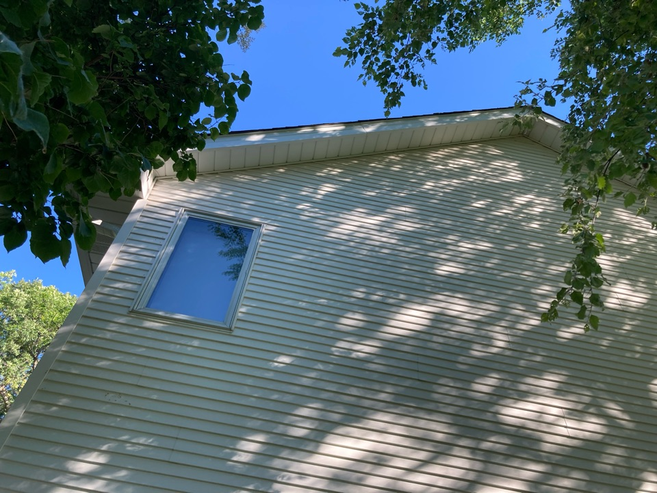 Burnsville, MN - Free inspection free estimate replace custom bent white aluminum facia