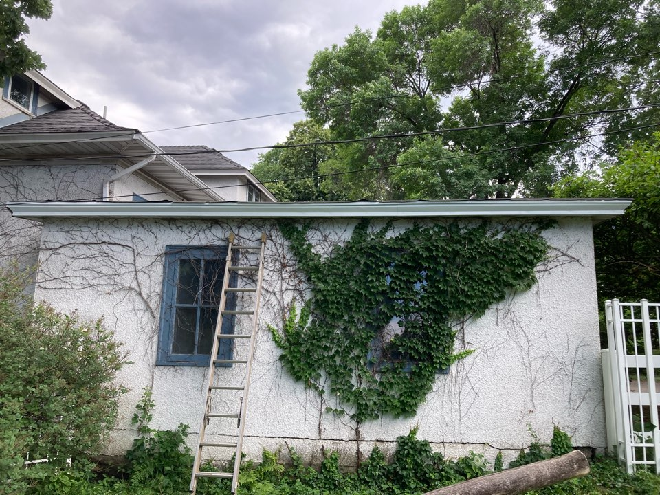 Minneapolis, MN - Free inspection free estimates replaced 25 feet of white aluminum soffit and facia also replace the rotted sub Fascia