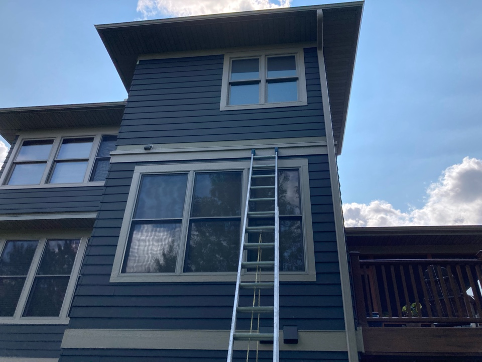 Mound, MN - Free inspections free estimates replaced hardy facia and a piece of hardy siding that was delaminating
