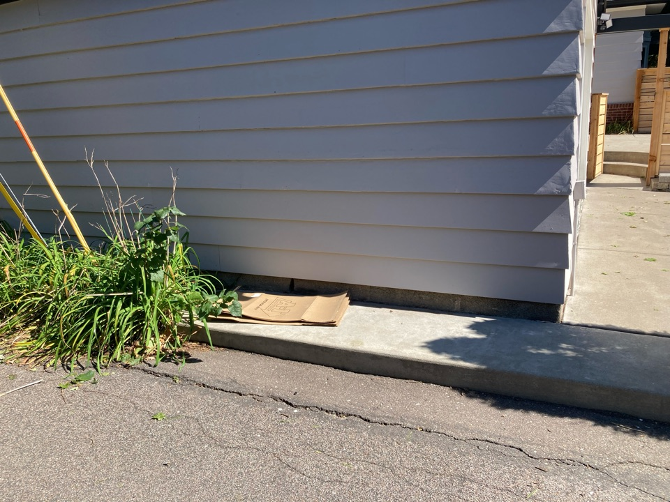 Saint Paul, MN - Free inspections free estimates remove and replace cedar siding on the garage that was hit by garbage truck light gray in color