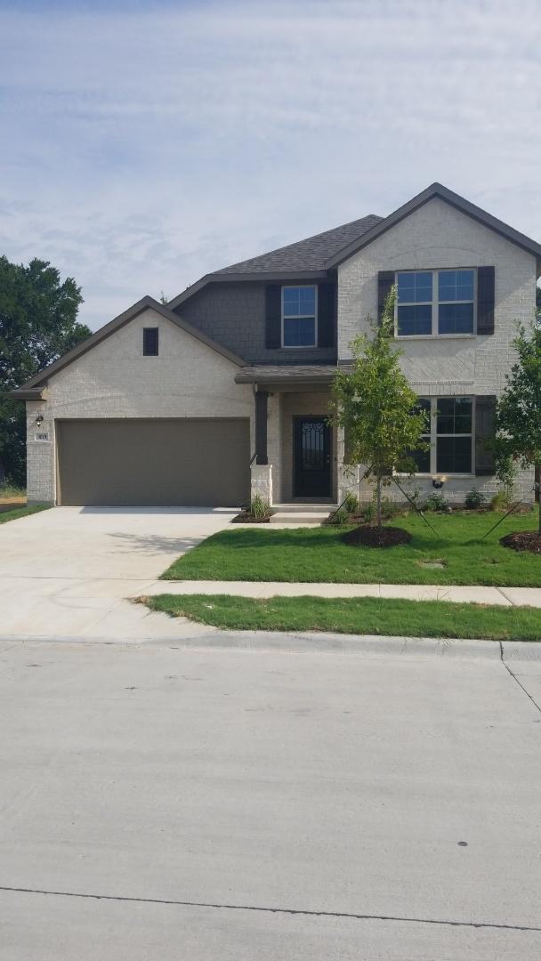 Melissa, TX - New Construction for Beazer Homes North Creek Estates Melissa CertainTeed Landmark Weatheredwood