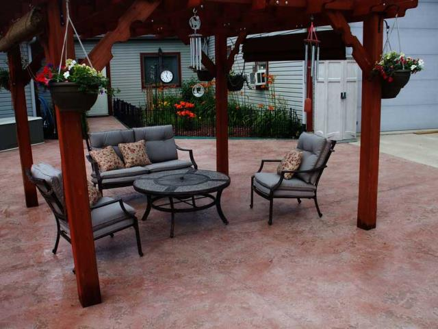 Huntertown, IN - Concrete stain is an affordable option to transform your concrete. Concrete stain is 100% customizable and comes in an unlimited selection of colors. The only limitation of this system is your imagination!