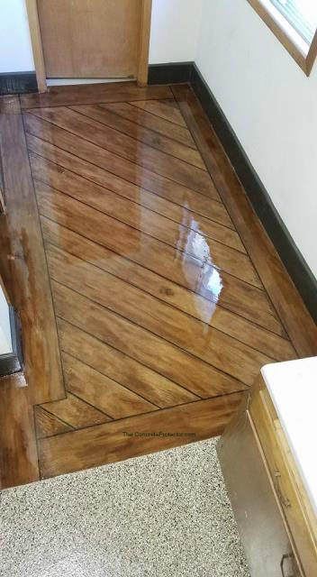 Columbia City, IN - Deck the halls for any holiday or occasion with Rustic Wood!! Enjoy staying indoors away from the cold with a hot wood floor like that!!