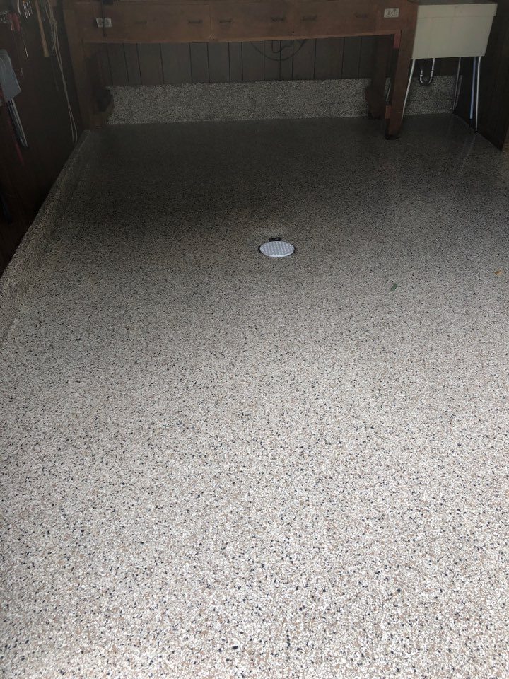 New Haven, IN - Check out the flake flooring the team just put down near New Haven Indiana