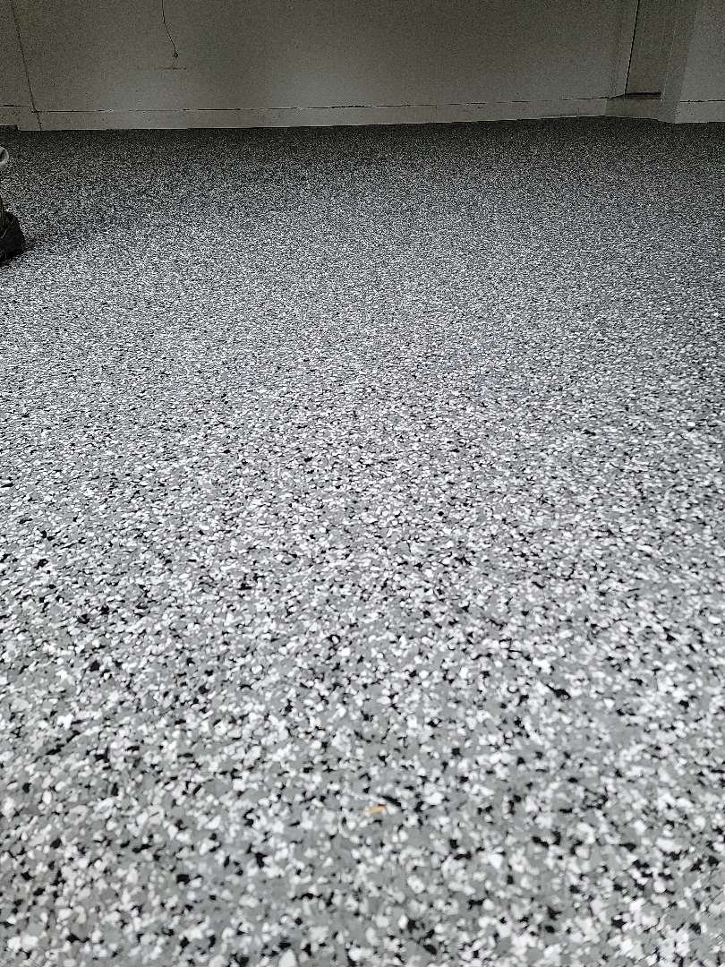 Warsaw, IN - We put an epoxy flake floor down for Steve. Near Warsaw Indiana.