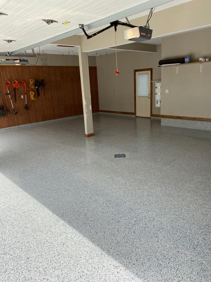 Fort Wayne, IN - Annnnnnnnnd another BEAUTIFUL Epoxy floor down! Near Fort Wayne Indiana