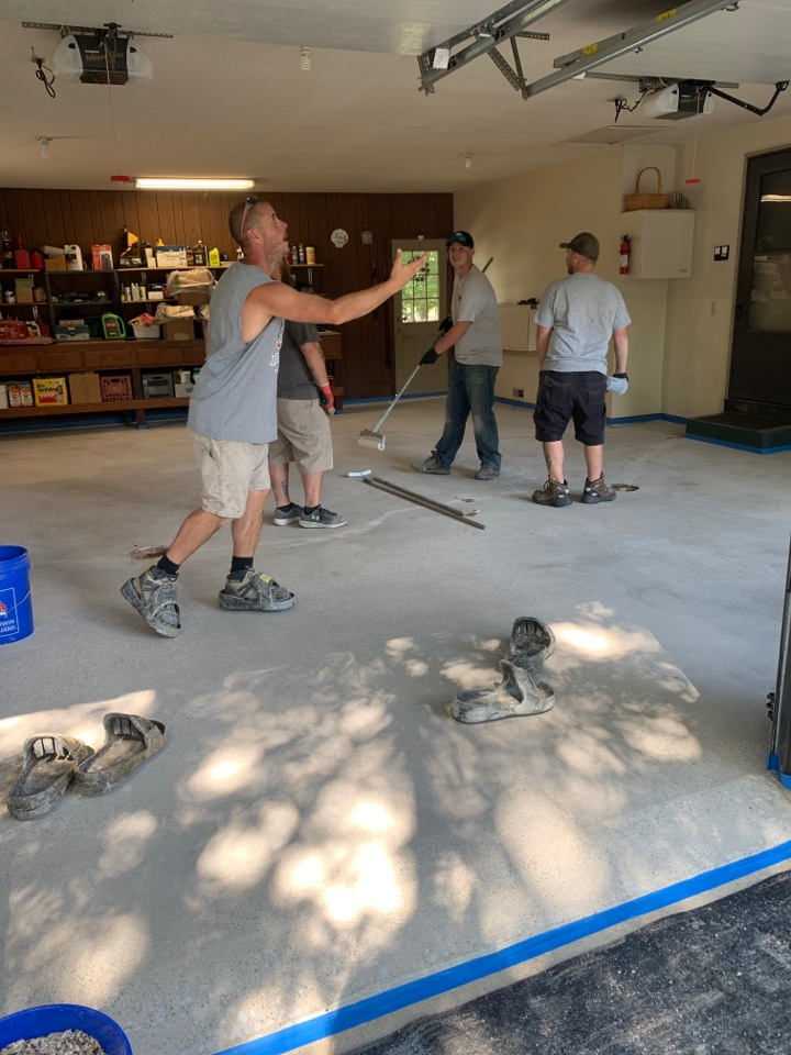 New Haven, IN - Getting ready to base and flake this garage! Color is gonna be outback! #epoxyflake