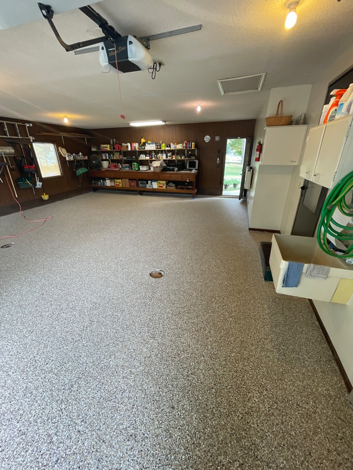 New Haven, IN - Sealing up this amazing flake floor in new Haven IN today