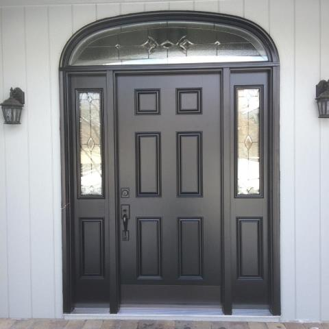 West Bloomfield Township, MI - Another beautiful door installation with a difficult transom. Our installers once again went above and beyond to make the job go smoothly.  Totally changes the look of the front of the home.