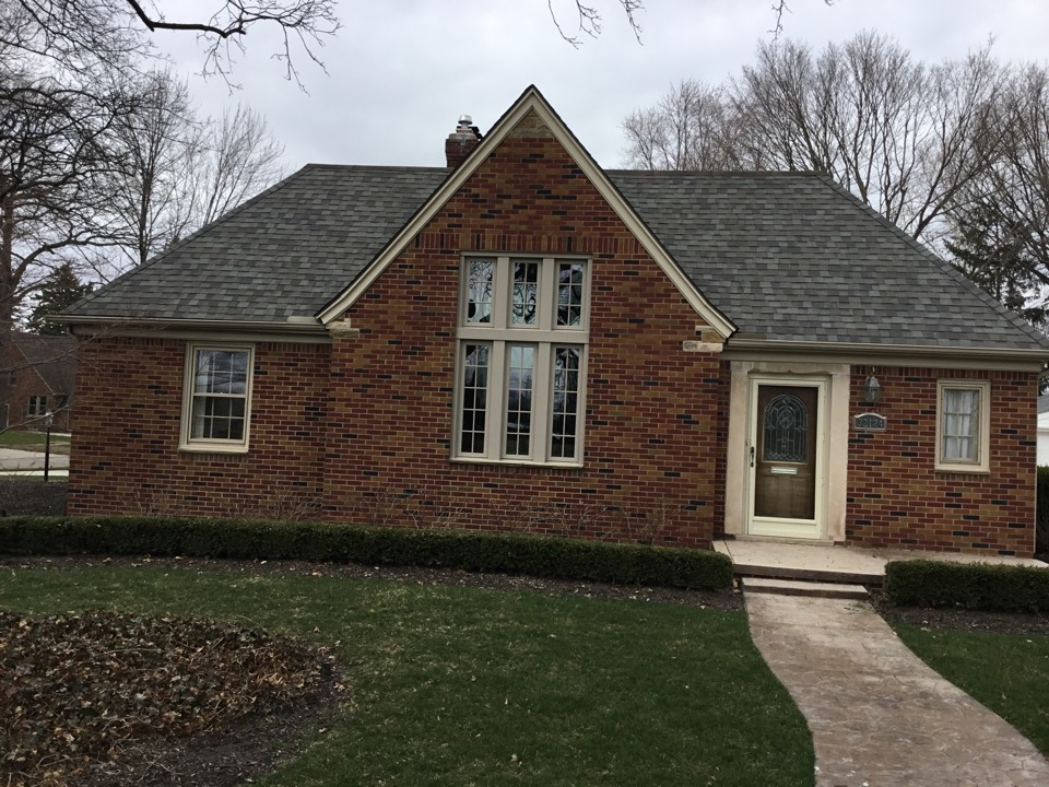 Livonia, MI - Front casement and fixed Windows mulled together