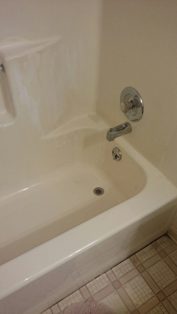 York, PA - We will be replacing this fiberglass tub with a beautiful new Re-Bath shower system.