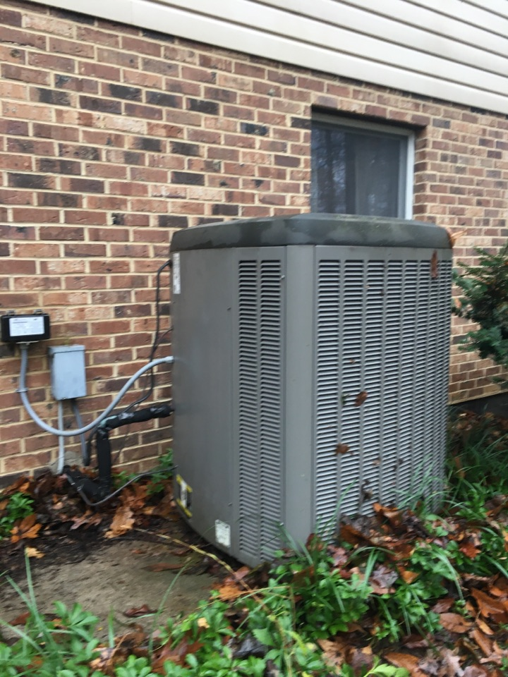 Fallston, MD - Preventive maintenance on Lennox heat pump tune up Level Home Services
