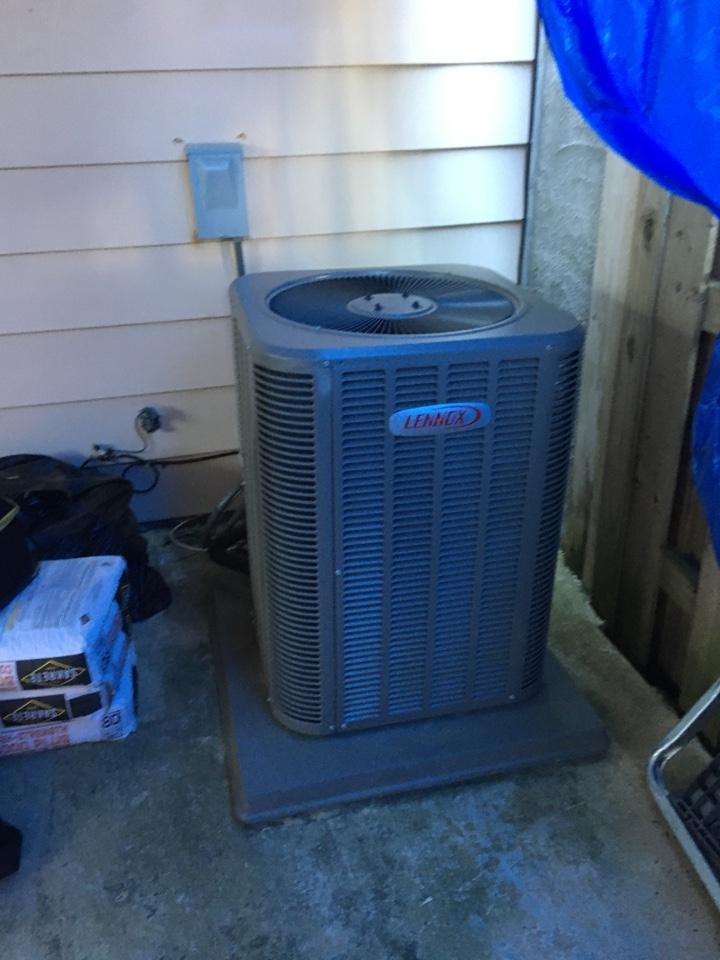 Edgewood, MD - Diagnose outdoor txv failure Lennox heat pump