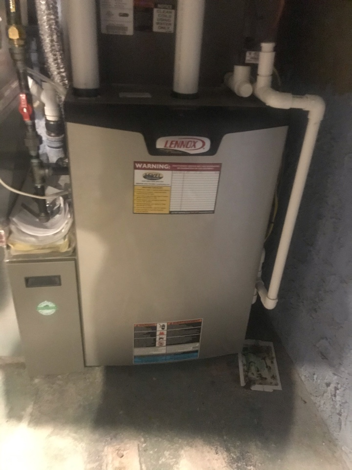 Towson, MD - Lennox gas furnace cleaning