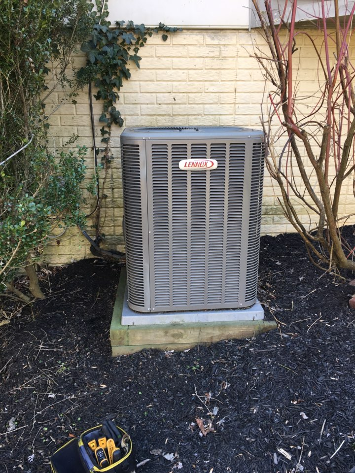 Parkville, MD - Preventive maintenance on Lennox heat pump tune up