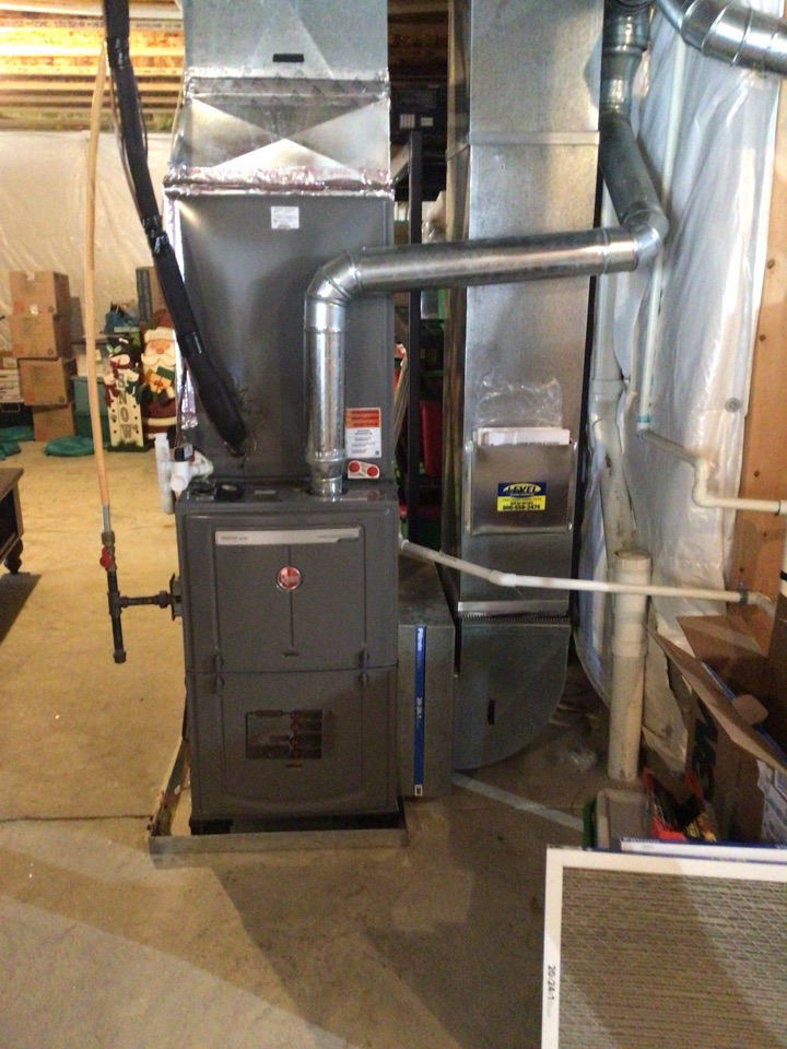 Perryville, MD - Preventive maintenance on 2 year old Rheem propane gas furnace