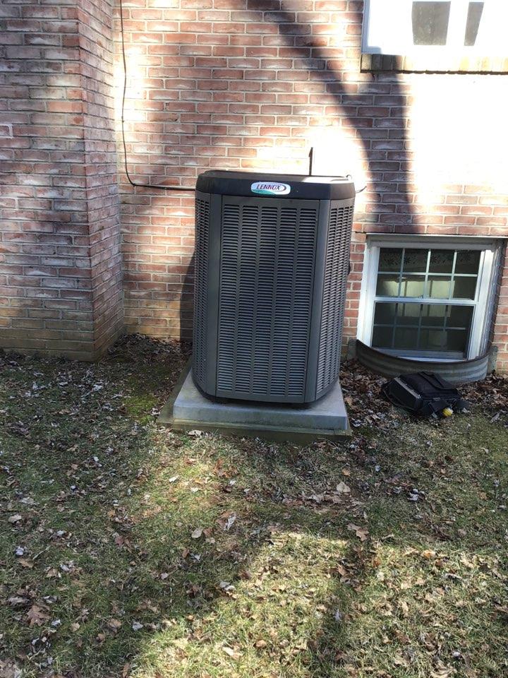 Churchville, MD - Preventive maintenance on lennox heat pump