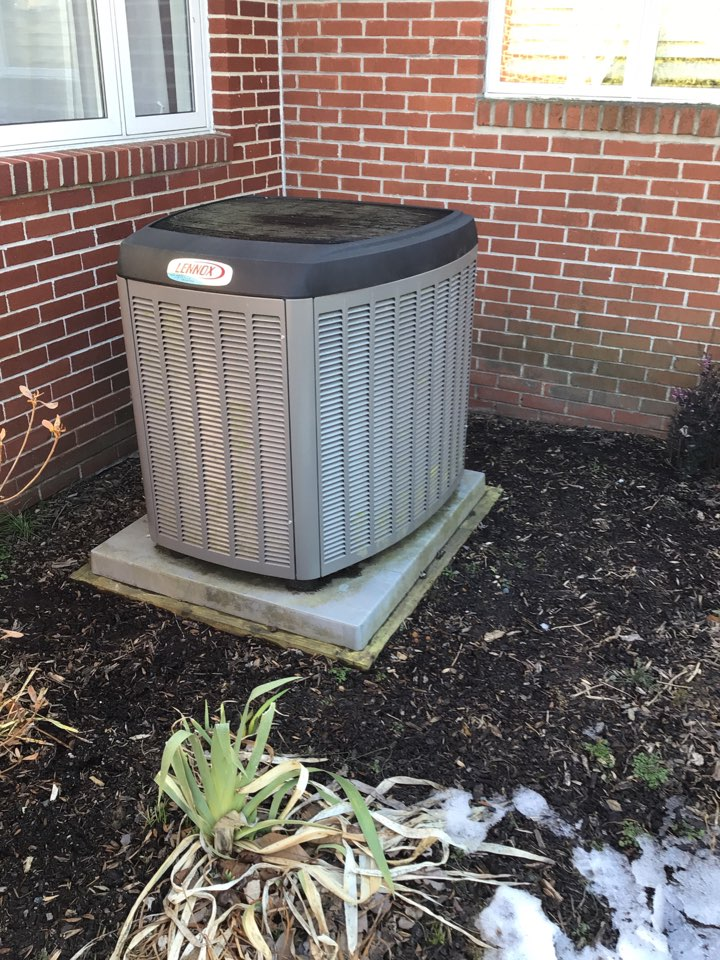 Fallston, MD - Lennox heat pump cooling maintenance