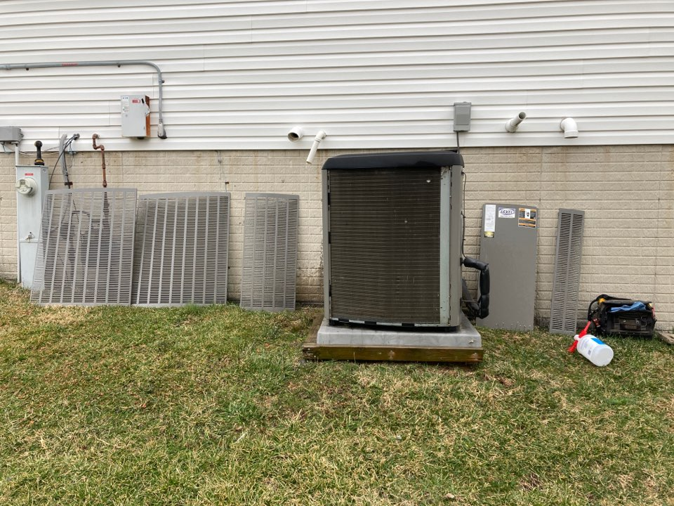 Forest Hill, MD - Preventive maintenance on Lennox ac air conditioning tune up