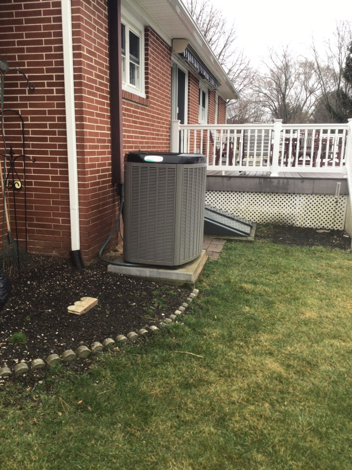 Forest Hill, MD - Preventive maintenance on a Lennox ac