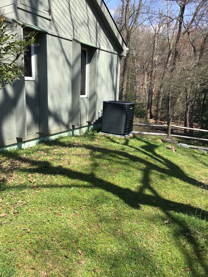 North East, MD - Preventive maintenance on 2 Goodman Heat Pumps