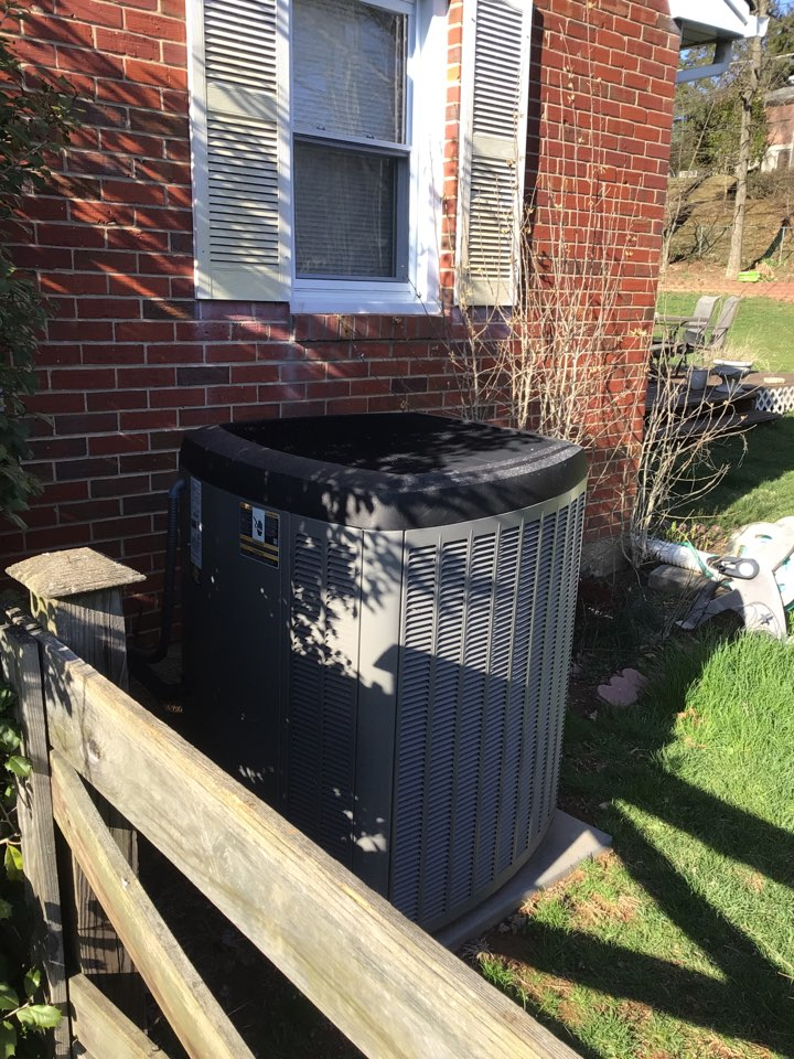 Forest Hill, MD - Yearly service on a Lennox ac