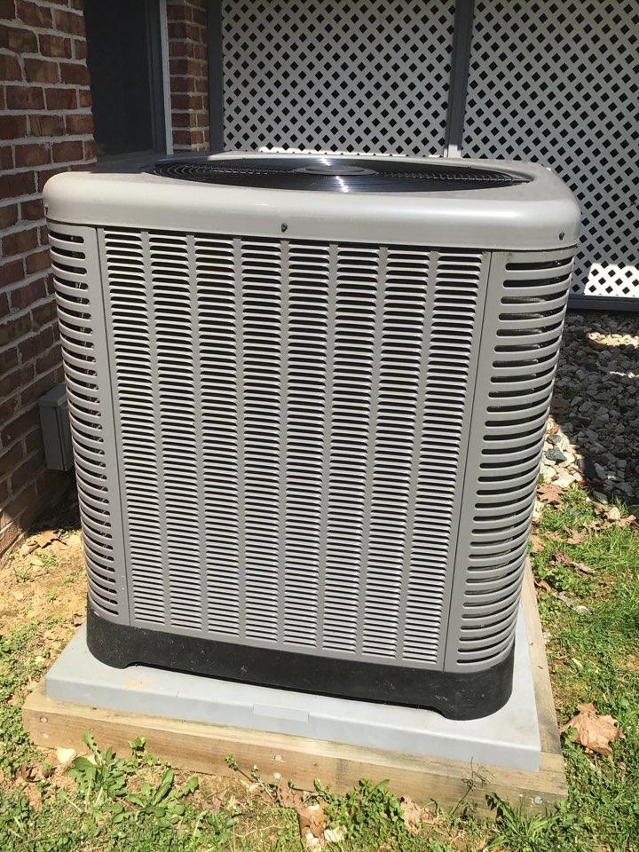 Jarrettsville, MD - Preventive maintenance a Rheem Heat pump