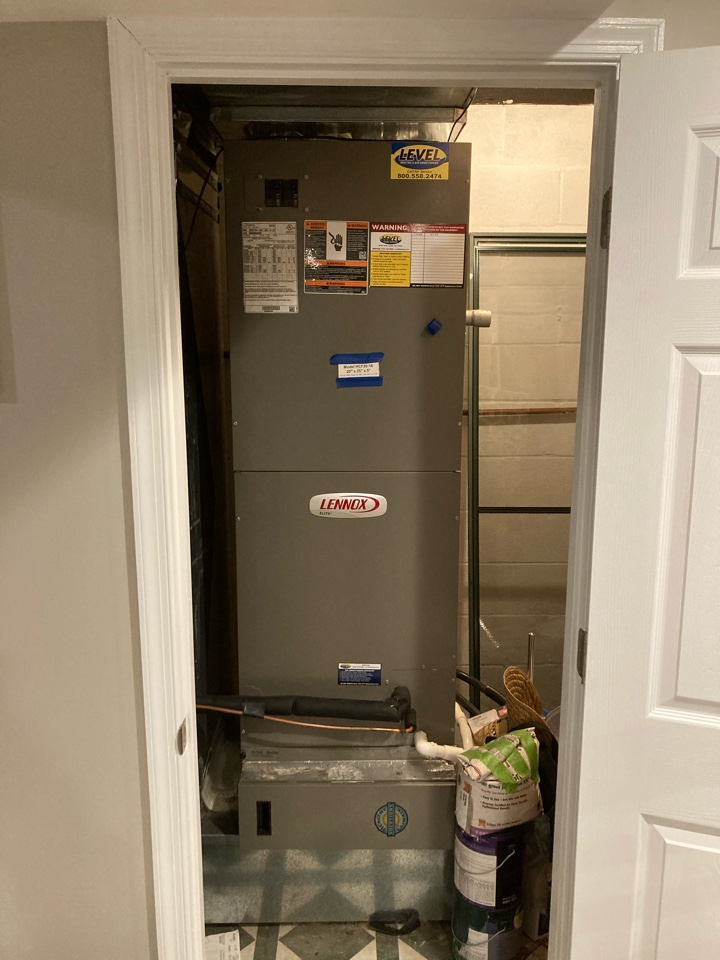 Bel Air, MD - Maintenance on Lennox heat pump ac air conditioning tune up