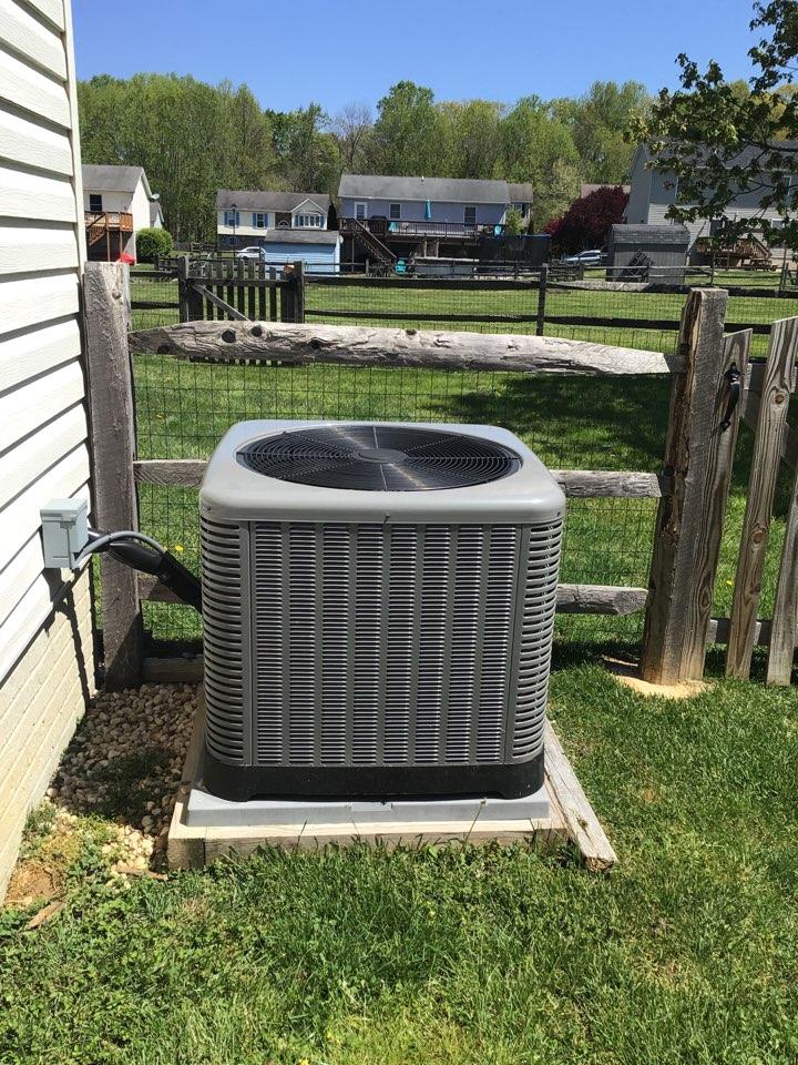 Elkton, MD - Preventive maintenance on a Rheem air conditioner