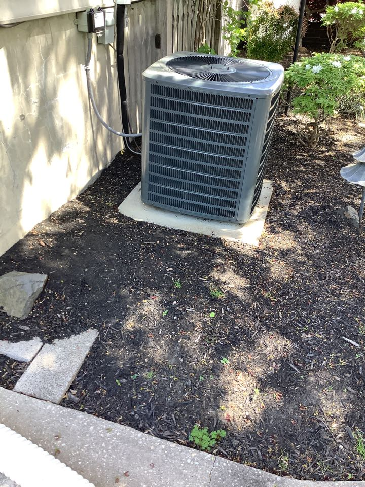 Fallston, MD - Checked a Goodman air conditioner system. Tune up on a air conditioner